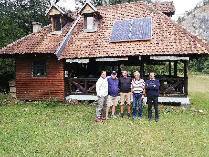 """Rotari klub Valjevo donirao solarne panele ekološkom društvu """"Gradac"""""""